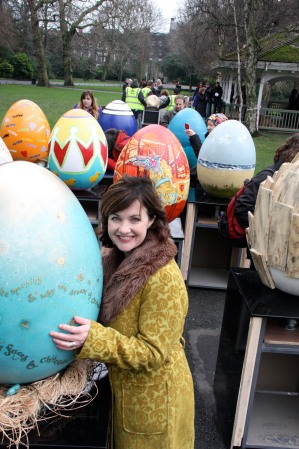 Gillian Reidy from Penhouse Design  with her egg for Lily O'Brien's at THE BIG EGG HUNT Dublin