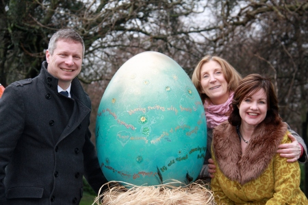 Gillian Reidy from Penhouse with Eoin Donnelly CEO and Mary-Ann O'Brien from Lily O'Briens at The Big Egg Hunt launch, in Stephen's Green Dublin